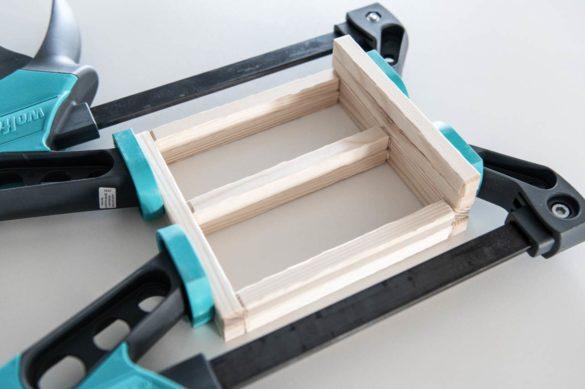 Puppenhaus Möbel selbst bauen Anleitung